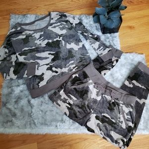 New york & co. Camo velour 2 piece outfit med